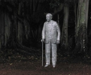 Thomas Edison amid his Banyan Tree