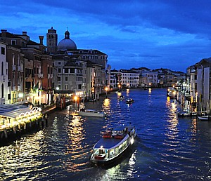 Venice at night © 2012 Karen Rubin/news-photos-features.com