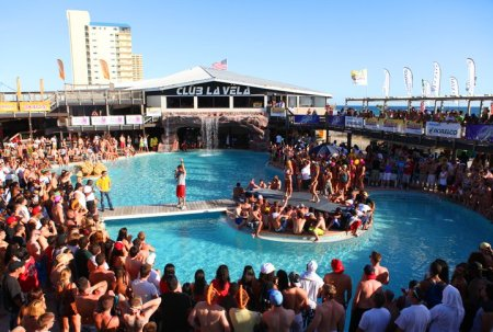 Pepsi Gulf Coast Jam is a music festival that takes place in Panama City Beach, Florida, in September.