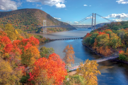 American River Cruises is offering fall cruises up New York's Hudson River