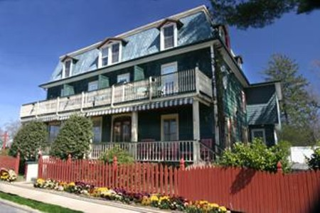 The Evergreen Inn, Spring Lake Estates, NJ, has a fall special through Dec. 31.