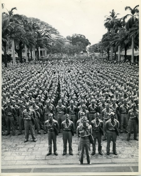 Newly enlisted soldiers of the 442nd Regimental Combat Team gathered on March 28, 1943 in front of the historic Iolani Palace at the heart of downtown Honolulu for a memorable farewell ceremony.