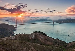 The Hyatt Regency San Francisco is offering its popular Explore Package in conjunction with a series of free walking tours, especially designed for those who want to take a long weekend getaway to discover San Francisco's many outdoor attractions like the Golden Gate Bridge.