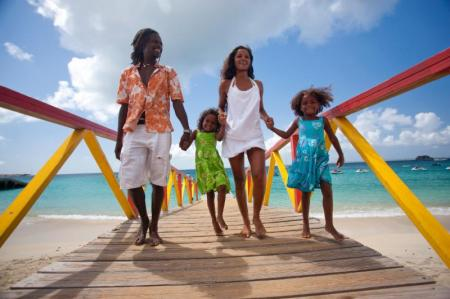St Maarten resorts and hotels are providing discounts up to 40% off standard rates, along with other travel incentives and activities for fall getaways.