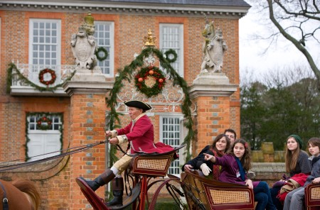 christmas-colonial-williamsburg-e2-danielle-hendricks
