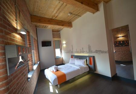 easyHotel Room e2